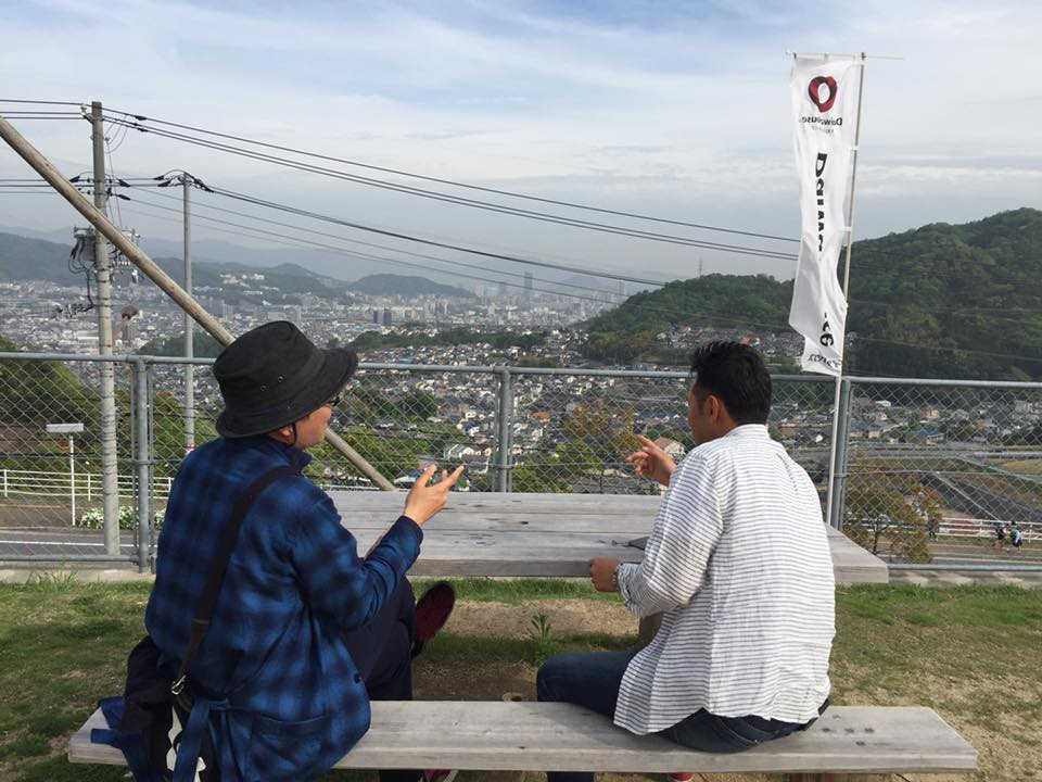 その後、広島の風景を見ながら日本の美しい景色について語ってないけどなんとなく伝わりました。